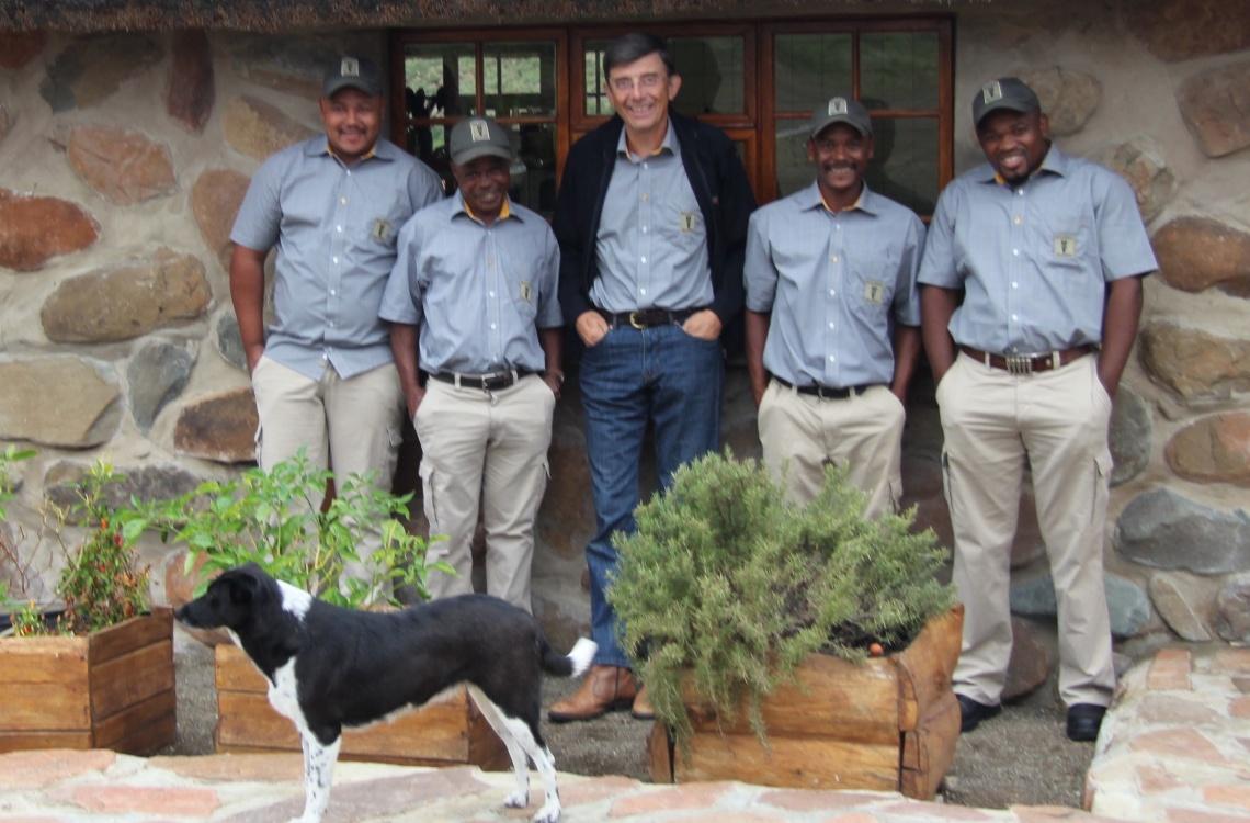 Lokalt afrikansk personale