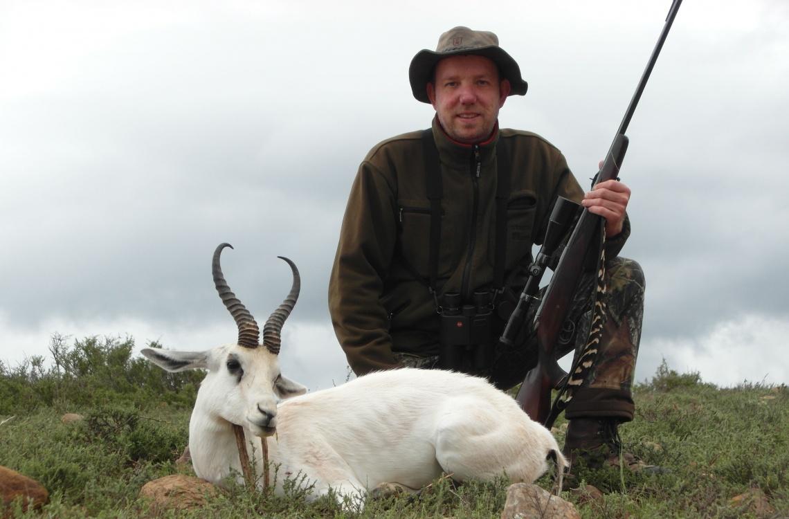 Tilfreds jæger efter dagens jagt